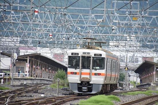 1828M 313系 塩尻駅4番線へ入線