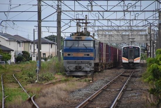 2093レ EF510-505号機と920M E129系の並び