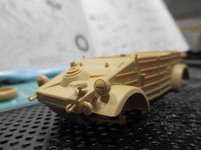 kubelwagen_type82190102s03.jpg