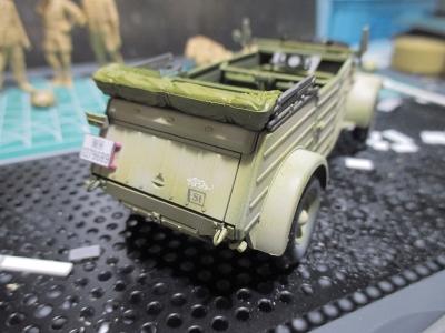 kubelwagen_type82190409s01.jpg