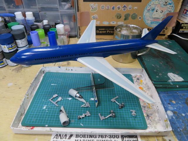 B767-300 ANA マリンジャンボJr. 322番塗りました・・・