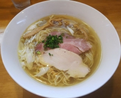 麺屋 謝(いやび)6月28日オープン--地鶏そば(塩)②