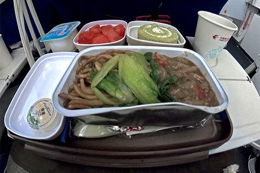 中国東方航空機内食 ゴープロ 広角
