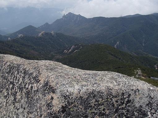 五丈岩から瑞牆山