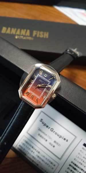 2019バナナ腕時計