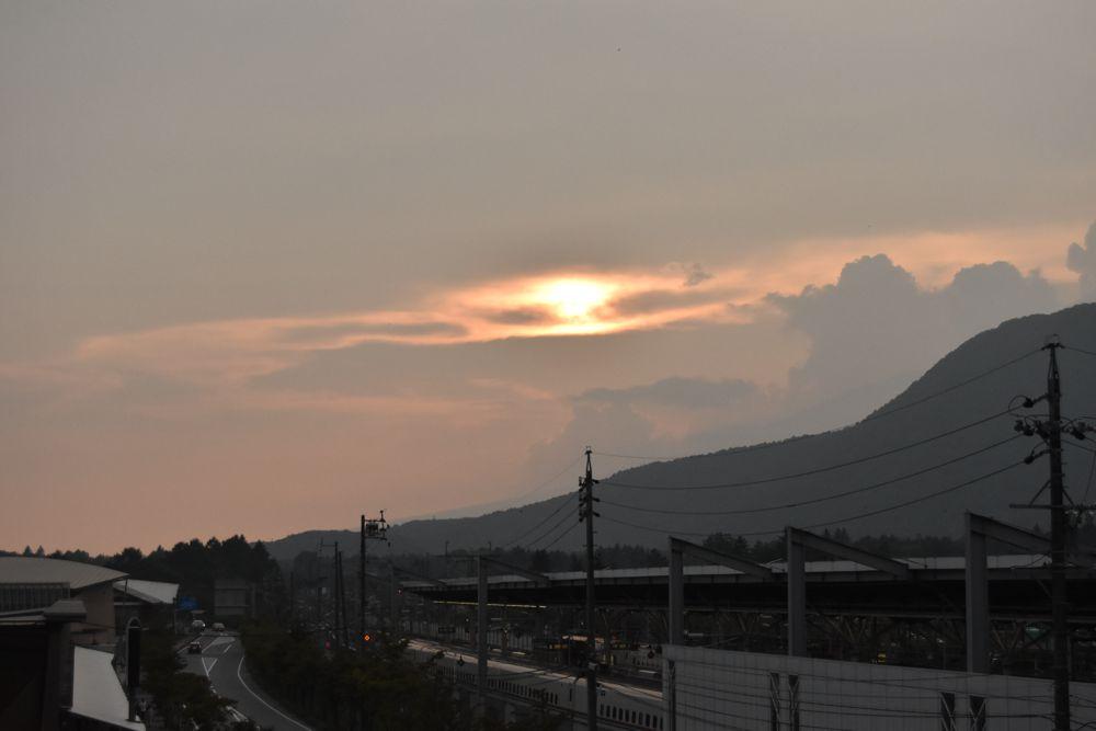 軽井沢駅から見た夕陽