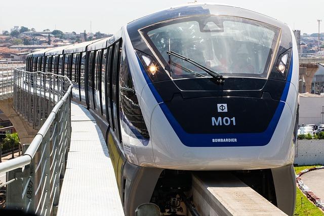 monorail-2276867_540.jpg