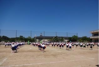 田上小1年・152名の団演
