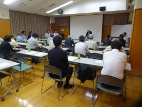 上坂会長の開会