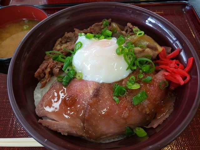 s12吉野川SAで四国三郎牛丼2