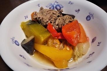ひき肉と野菜蒸し煮