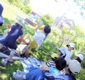 20190616本郷公園絵本ピクニック036.jpg