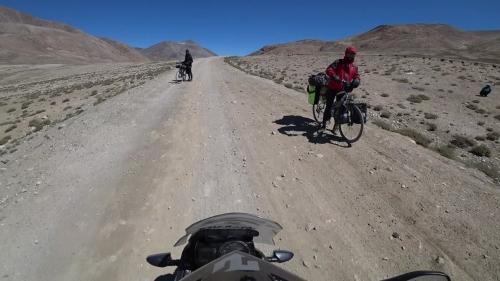 20180801_140704_Cyclists_KhargoshPass_Tajikistan.jpg