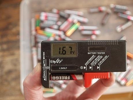 P8150040 電圧計
