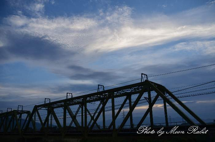 加茂川鉄橋と雲 愛媛県西条市加茂町