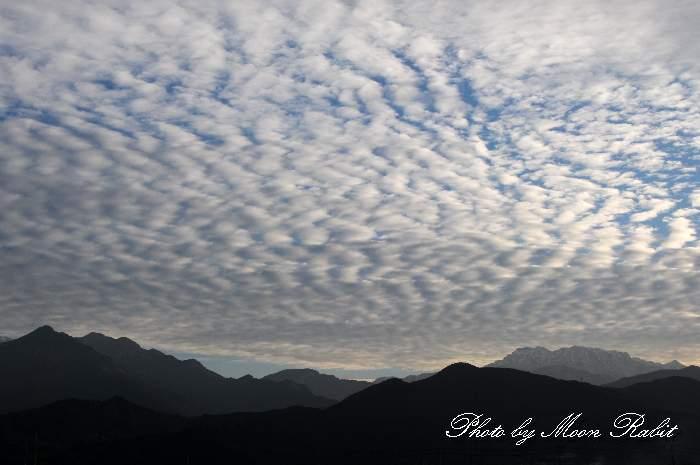 雲と石鎚山 愛媛県西条市古川