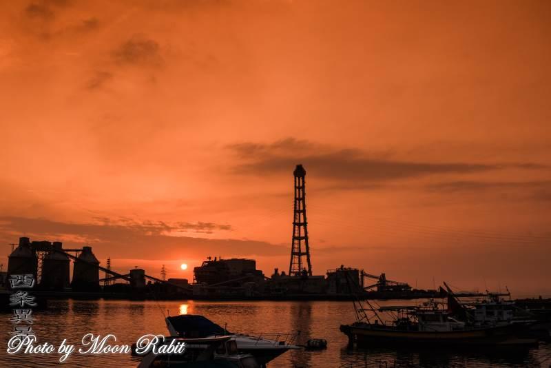 四国電力西条発電所の夕景