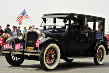 blog (6x4@300) Yoko 96 July 4th Parade, Mendocino Vintage Transportation, Mendocino, CA_DSC7750-7.4.19.(2).jpg