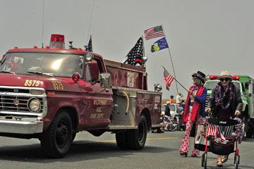 blog (6x4@300) Yoko 96 July 4th Parade, Fire Dept., Mendocino, CA_DSC7682-7.4.19.(2).jpg