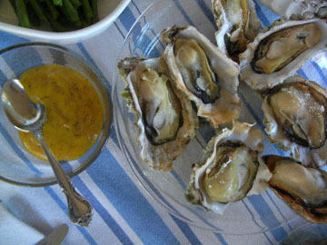 blog (6x4.5@300) Yoko 034 Broiled Oysters to share_DSCN3013-5.22.19.jpg