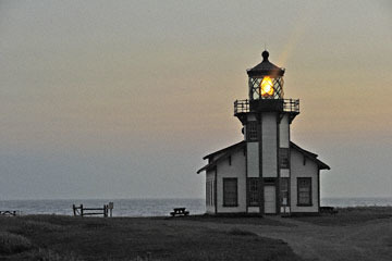 blog (6x4@300) Yoko 97 Sunset, Cabrillo Point Light House, Mendocino, CA_DSC8028-7.5.19.jpg