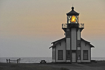 blog (6x4@300) Yoko 97 Sunset, Cabrillo Point Light House, Mendocino, CA_DSC8001-7.5.19.jpg